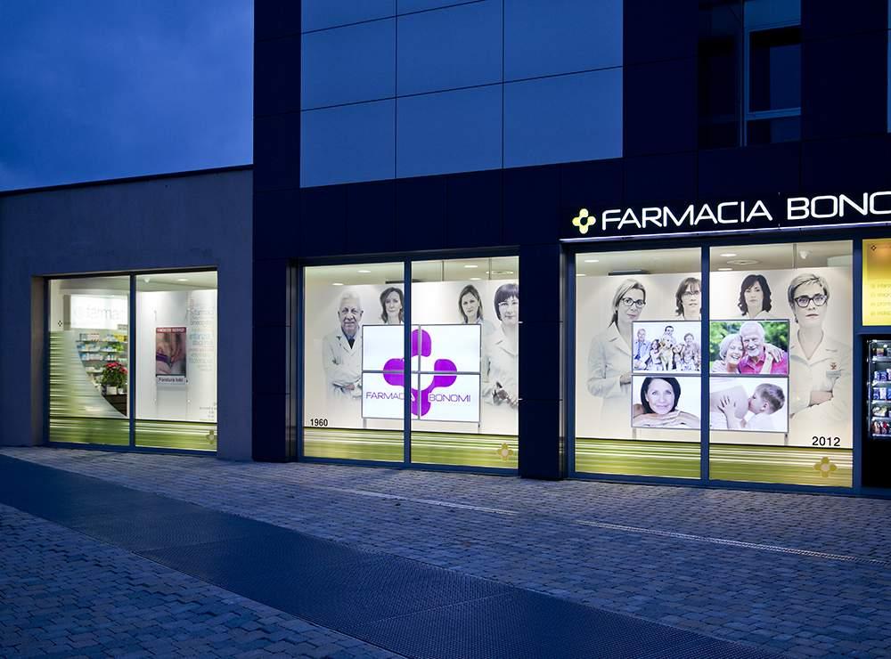 Vetrine Farmacia - Vetrine Led Comunicazione FarmaciaMutec ...